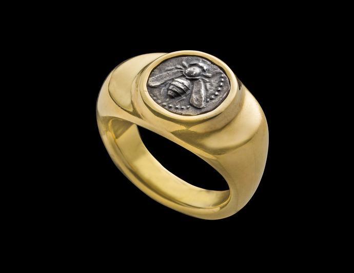 Ring set with silver diobol of Ephesos