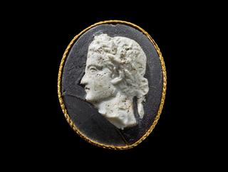 mobile version - Cameo Medallion of the Emperor Caligula